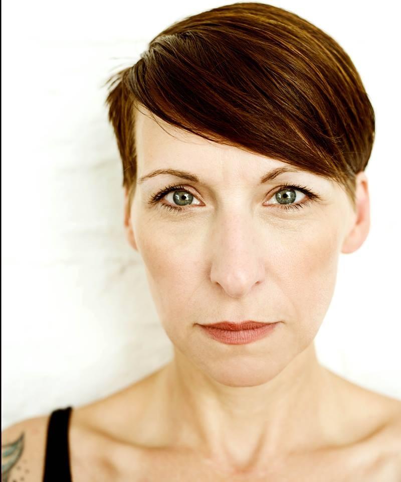 Nicole Ankelmann (ehren*worte/FAZE) – Jahrescharts 2013