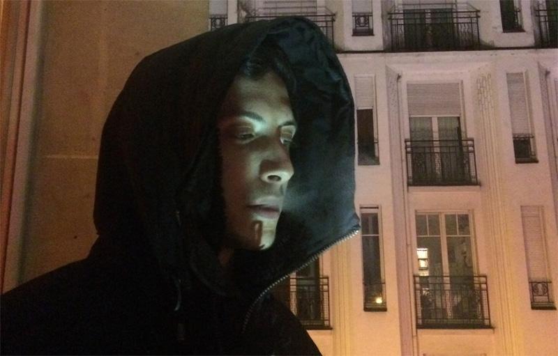 """Shlohmo präsentiert sein zweites Album """"Dark Red"""""""