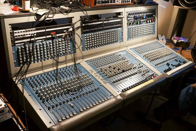 Basic Channel-Studio-Mixer auf Ebay zu kaufen