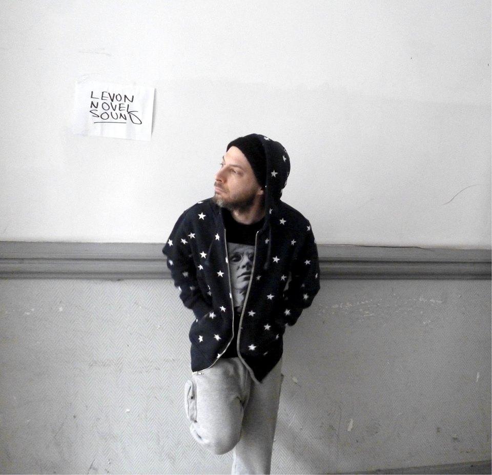 Levon Vincent (OstgutTon / Novel Sound) ruft zur Bewaffnung aller auf