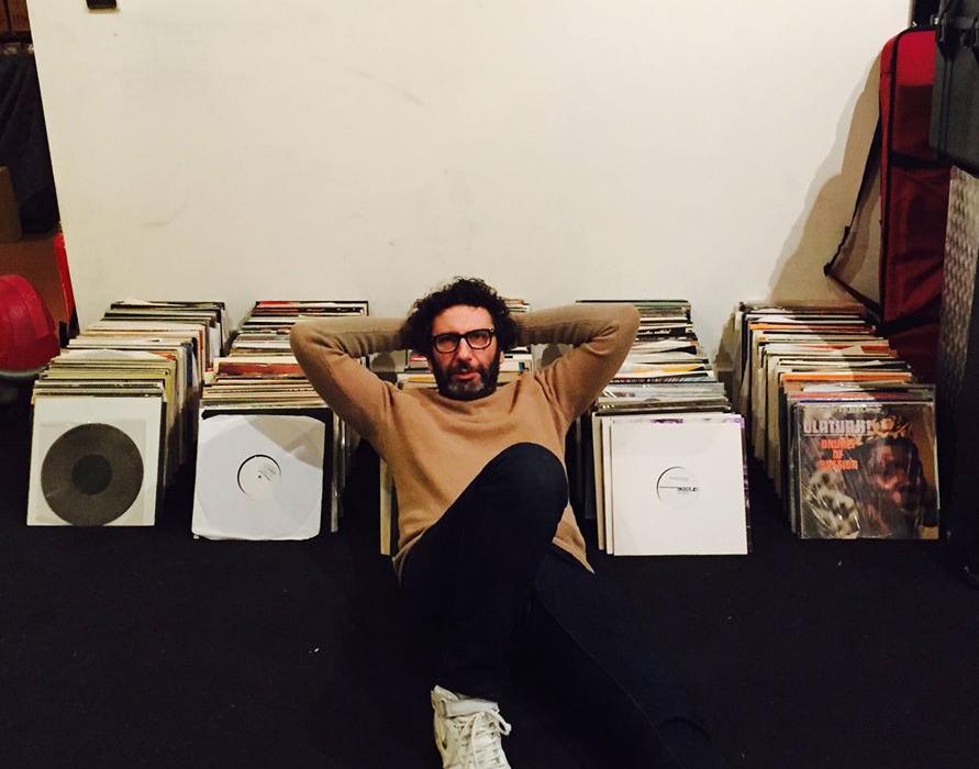 Vinyl-Sale – Versatile-Boss Gilb'R verkauft seine Sammlung