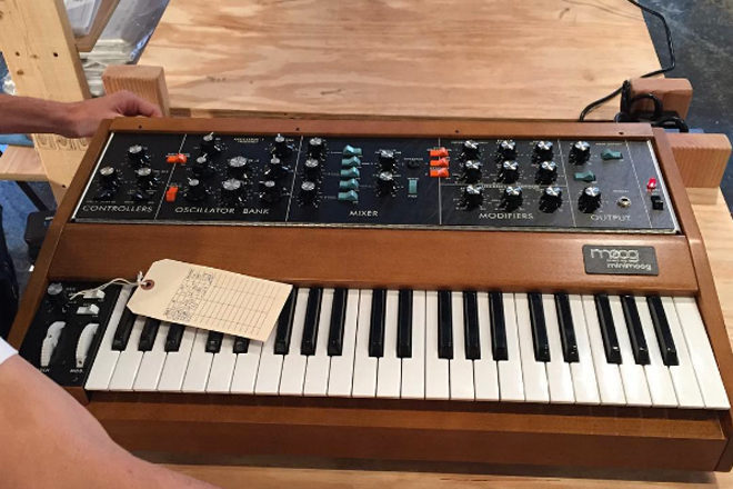 Moog plant eine Neuauflage des Minimoog Model D
