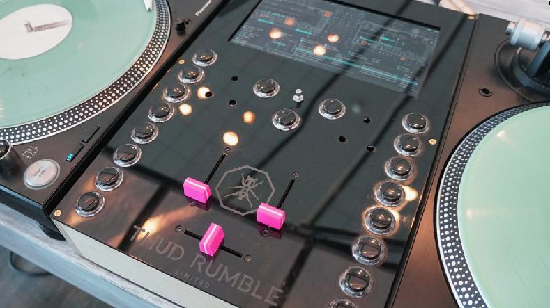 Thud Rumble Invader – Adieu Laptop-DJ?
